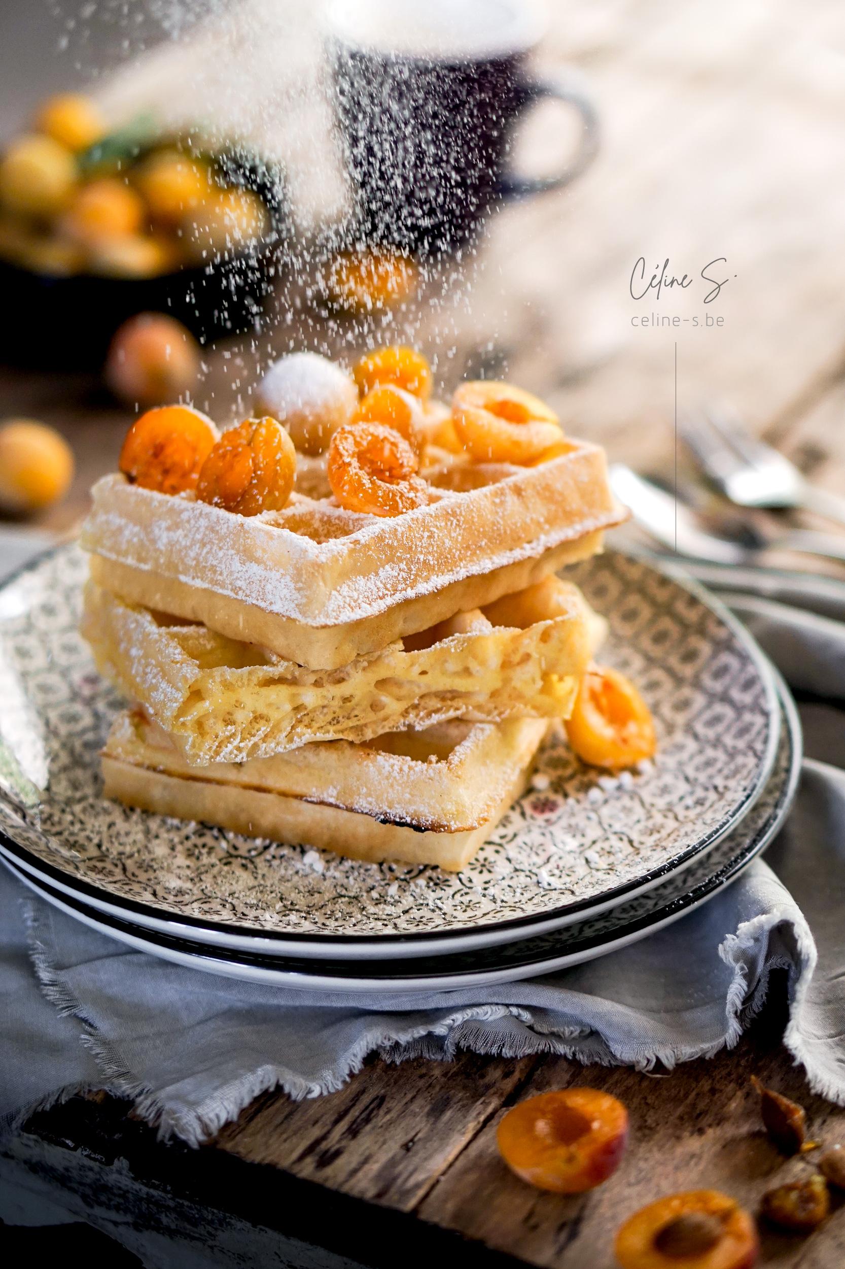 Céline Stiévenard - food photo - photo et styliste culinaire - gaufre de bruxelles au sucre et reine-claude