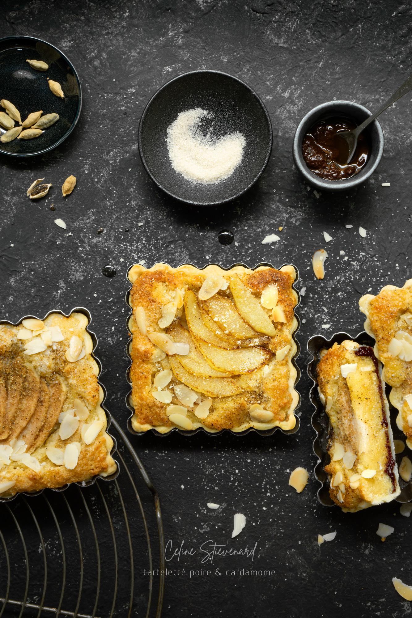 céline Stiévenard - food photo - photo et styliste culinaire - tartelette-poire cardamome amande chocolat