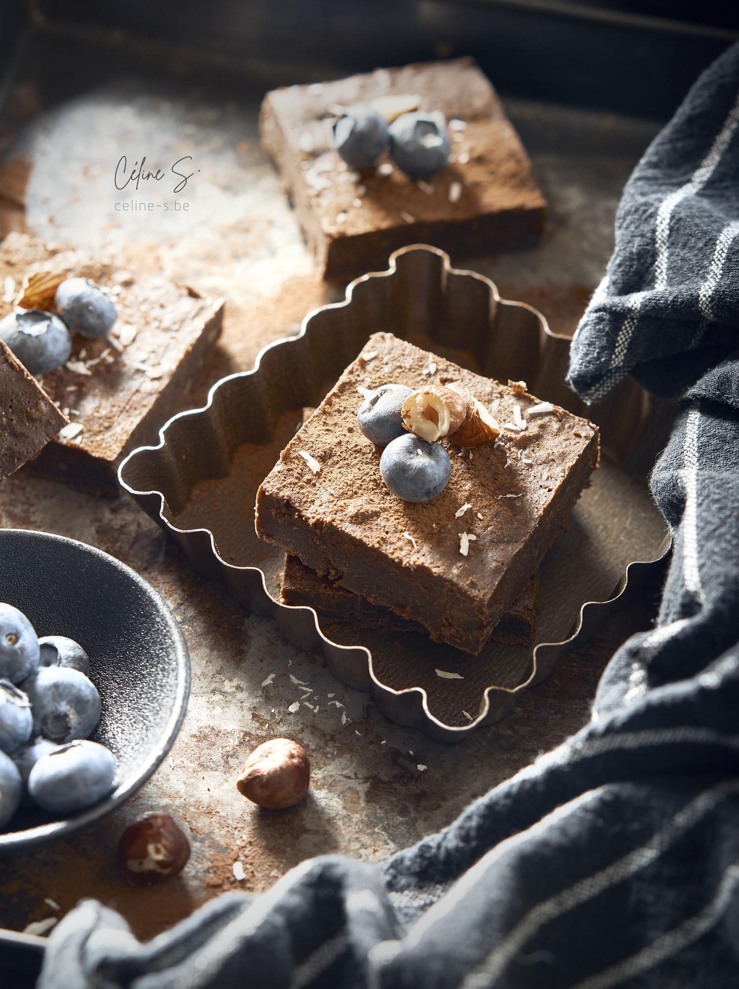 Céline Stiévenard - food photo - photographe et styliste culinaire - photo de gateau brownie au chocolat à la courgette - Liège, Belgique