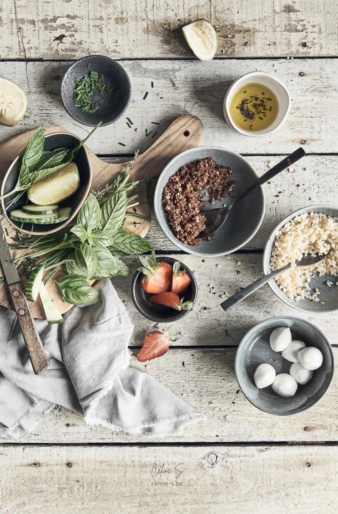 Céline Stiévenard - recette et photo des ingrédients pour de salade boulgour, fraise, kinoa et mozzarella- styliste culinaire food - création de photo food - Liège, Belgique